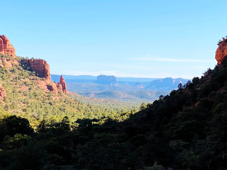 Views of redrock buttes in Sedona