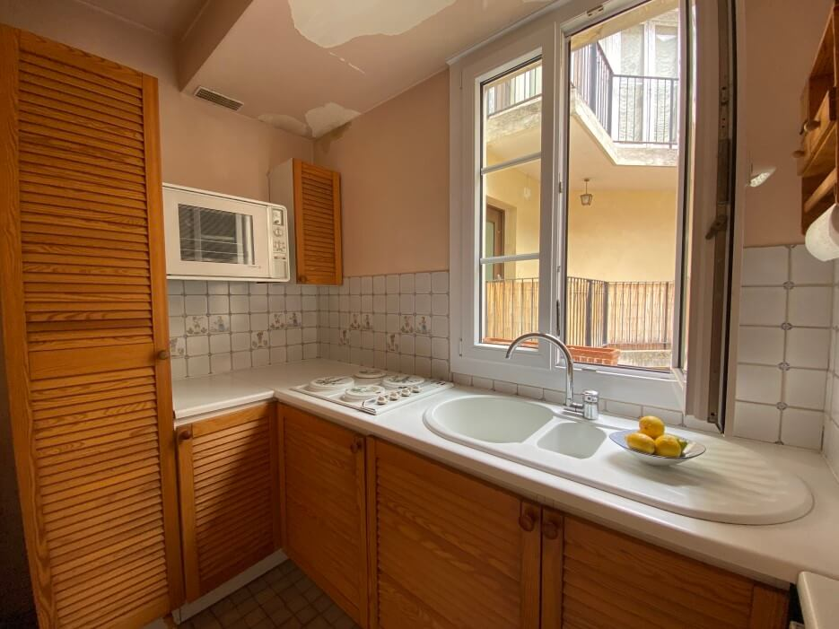 View of the kitchen in apartment for sale in Paris